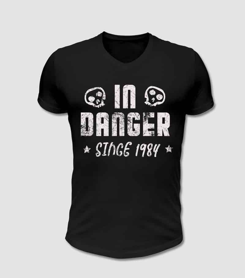 In Gefahr T-Shirt mit Totenkopf