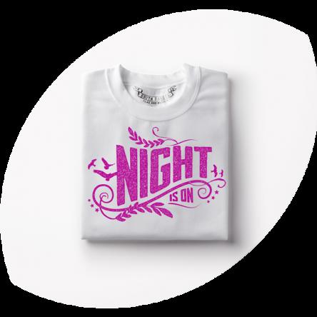 T-Shirt für Frauen individuelles Motiv für Partygänger mit pinkem Aufdruck